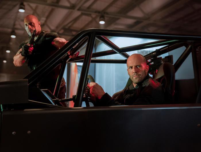 """Hành động trên những chiếc xế hộp luôn là một đặc sản trứ danh của thương hiệu """"Fast & Furious""""."""