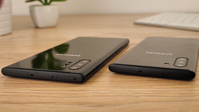 Mobile Fun không đề cập đến chi tiết đến cấu hình và dung lượng pin của Galaxy Note 10/Note 10+, nhưng theo các nguồn tin trước đó, cả 2 phiên bản Galaxy Note mới sẽ đều được trang bị chip Snapdragon 855+ (hoặc Exynos 9825 tuỳ thuộc vào các thị trường khác nhau).Cả Galaxy Note10 và Note10+ đều sẽ có dung lượng RAM từ 8 GB và bộ nhớ trong từ 256 GB. Galaxy Note10 được dự đoán có dung lượng pin 3.500 mAh và Note10+ là 4.300 mAh.