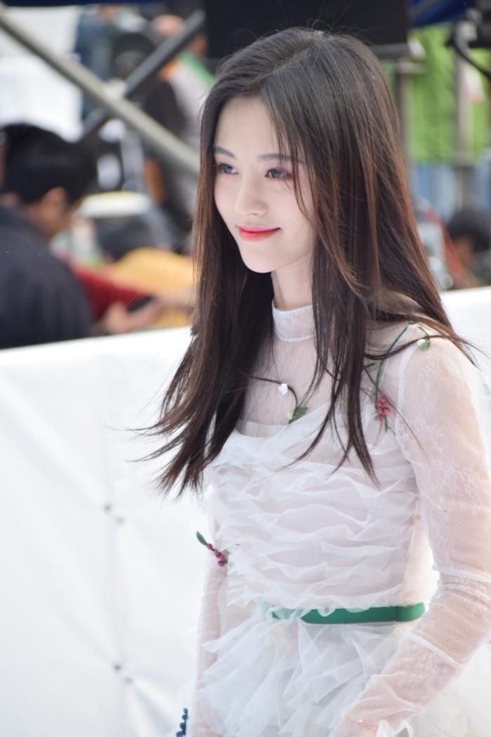 Sau đó, cô thừa thắng xông lên với vai nữ chính trong phim Vân Thượng học đường hay còn gọi là Sungkyunkwan Scandal phiên bản Trung.