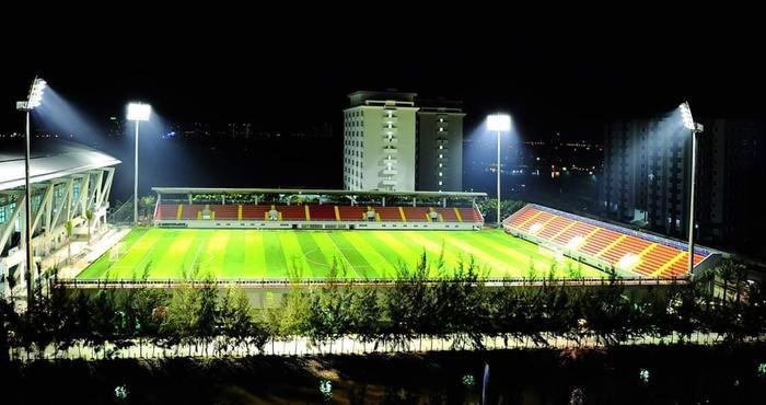 Nếu đúng là U22 Việt Nam sẽ tập luyện tại đây trước khi lên đường tham dự SEA Games 30 thì đây là một tin cực kỳ vui khi các sinh viên của trường sẽ có cơ hội được gặp trực tiếp những ngôi sao của bóng đá Việt Nam như Quang Hải, Văn Hậu, Tiến Dũng,…