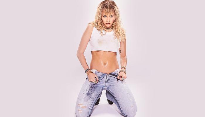 Miley Cyrus có khả năng cao sẽ góp giọng trong ca khúc sắp tới của Dua Lipa.