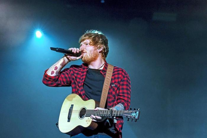 Ed Sheeran chính là nghệ sĩ đi tour có doanh thu cao nhất lịch sử.