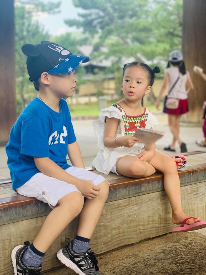 2 con nhỏ của nhà Đan Lê, Hồng Đăng khiến nhiều người 'phát sốt' vì có nhiều biểu cảm quá đáng yêu