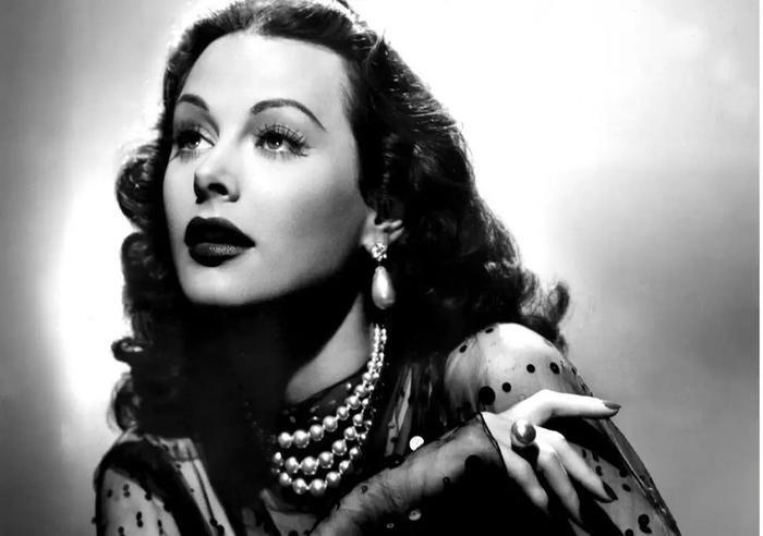 …sẽ tái hiện lại hình ảnh Hedy Lamarr trên màn ảnh.