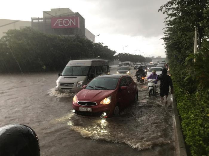 Sau khi đổ bộ vào đất liền các tỉnh Quảng Ninh, Hải Phòng, bão số 3 suy yếu thành áp thấp nhiệt đới, gây mưa lớn ở Bắc Bộ.