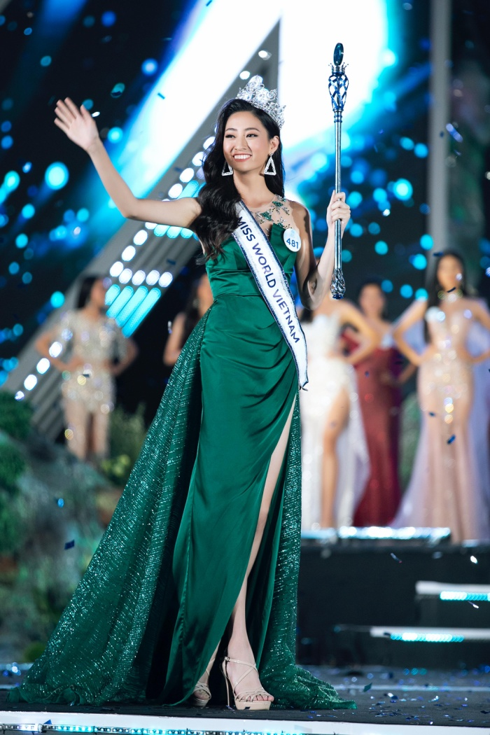 Lương Thùy Linh đăng quang ngôi vị Hoa hậu Thế giới Việt Nam 2019.