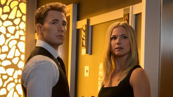 Nhiều khán giả không thấy thoải mái chút nào khi nhìn Steve và Sharon hôn nhau.