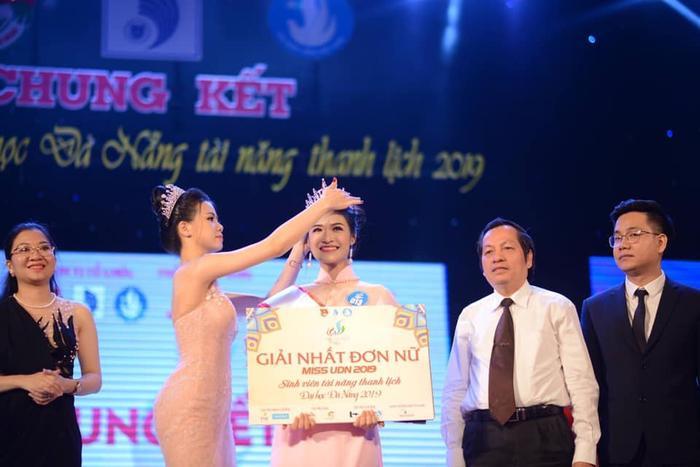 Miss World Vietnam 2019: Hoa hậu và Á hậu 2 khoá facebook, và đây là chân dung Á hậu 1 ảnh 4
