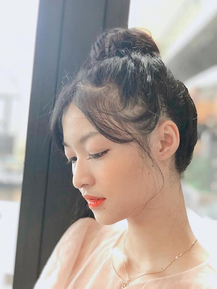 Miss World Vietnam 2019: Hoa hậu và Á hậu 2 khoá facebook, và đây là chân dung Á hậu 1 ảnh 16