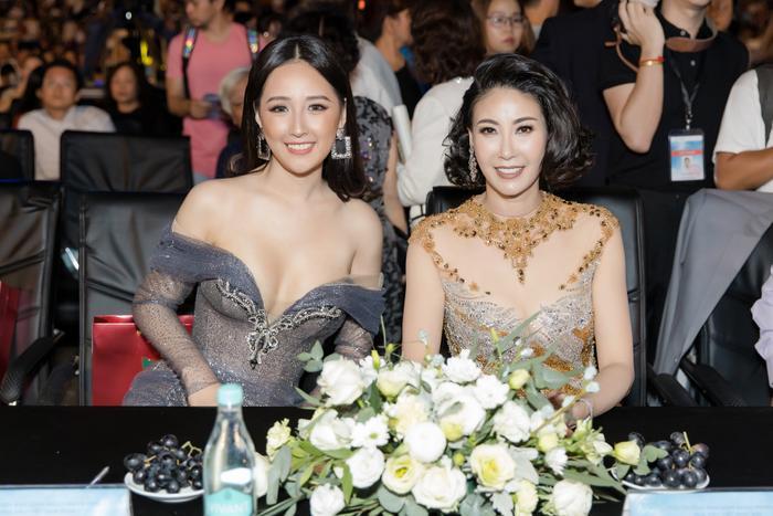 Hai hoa hậu đọ sắc khiến fan ngây ngất