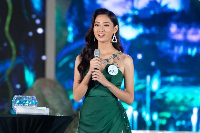 Hoa hậu Lương Thùy Linh trả lời ứng xử còn mờ nhạt. Đây là sẽ một bất lợi của cô nàng khi chinh chiến Miss World 2019.