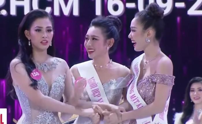 Từ trái sang: Trần Tiểu Vy – Nguyễn Thúc Thùy Tiên – Nguyễn Thị Hồng Tuyết