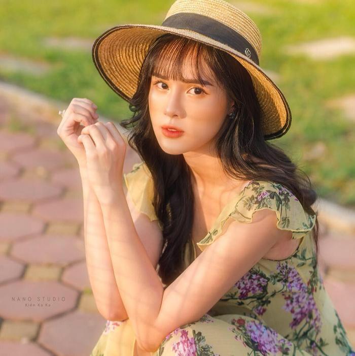 Dù xinh đẹp nhưng Huyền Trang không có duyên với các cuộc thi sắc đẹp.