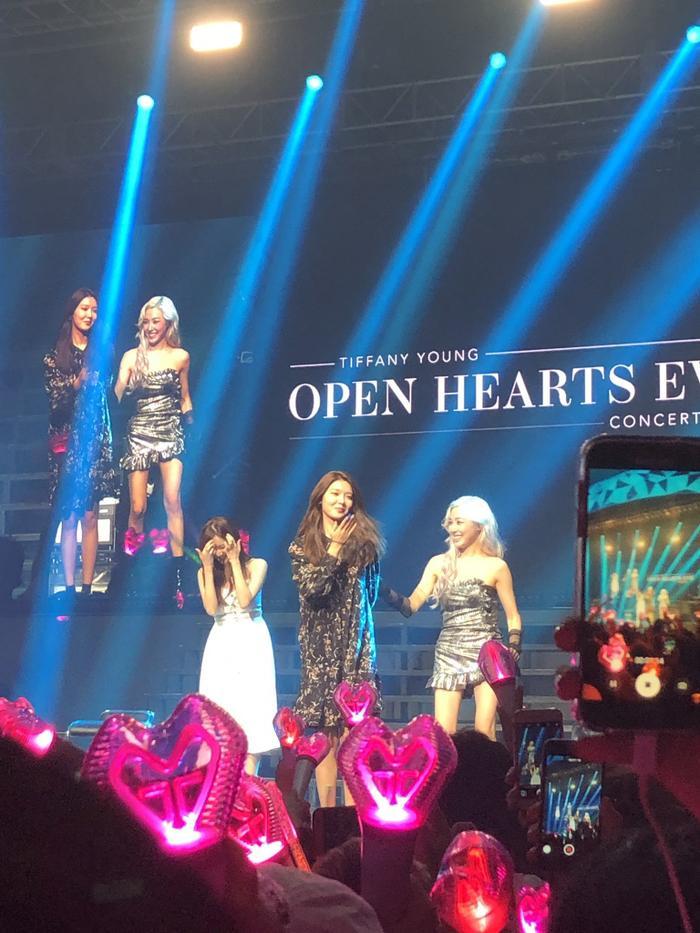 Sooyoung và Seohyun xuất hiện tại concert của Seohyun.