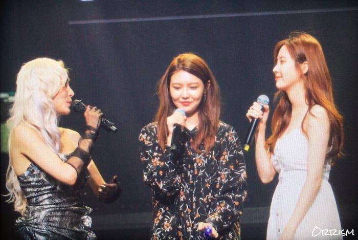 Ba cô nàng Tiffany, Sooyoung và Seohyun.