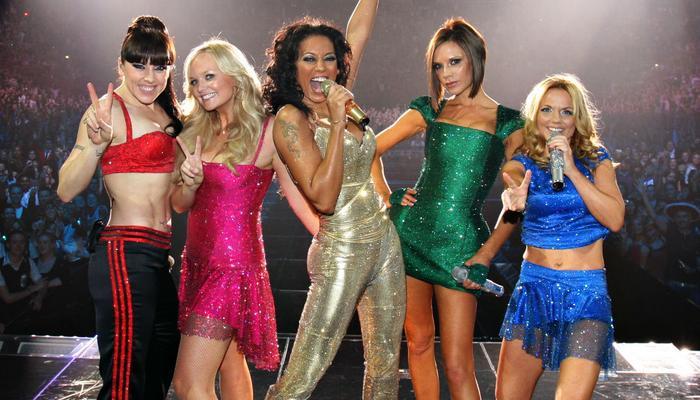 TWICE đã chính thức tiếp bước huyền thoại Spice Girls trở thành nhóm nữ hiếm hoi có doanh thu trung bình cho mỗi đêm diễn rơi vào khoảng 3 triệu USD cũng như thu hút được hơn 40.000 khán giả.