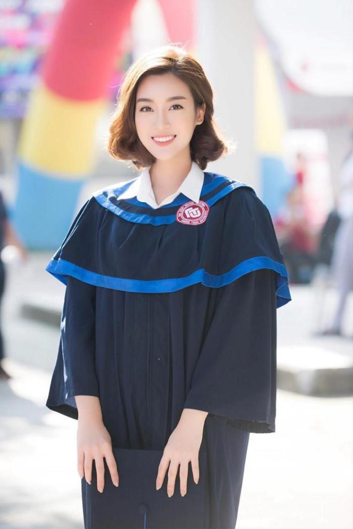 Hoa hậu Việt Nam 2016 Đỗ Mỹ Linh đã tốt nghiệp đại học Ngoại Thương vào năm 2018.
