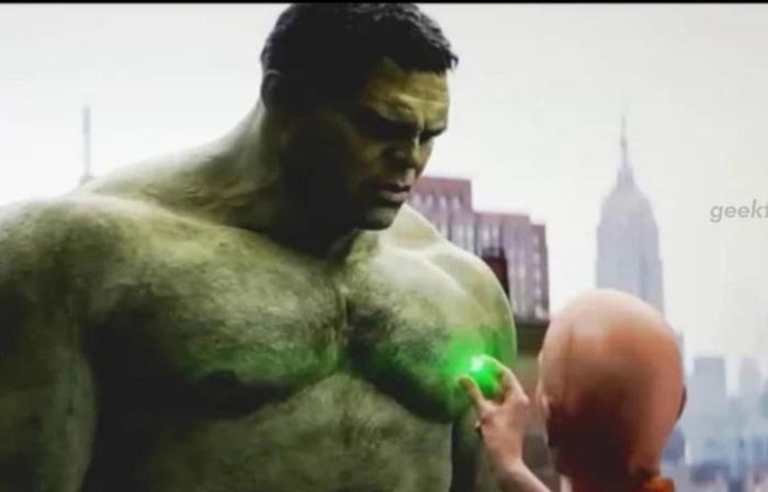 Ancient One đã chịu giao viên đá thời gian cho Hulk.