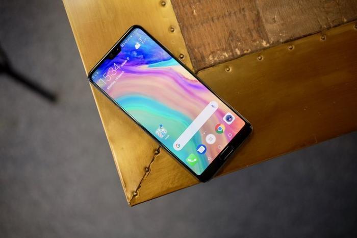Trước đó, Huawei liên tục nhấn mạnh khả năng Hongmeng sớm xuất hiện trên smartphone là rất khó.