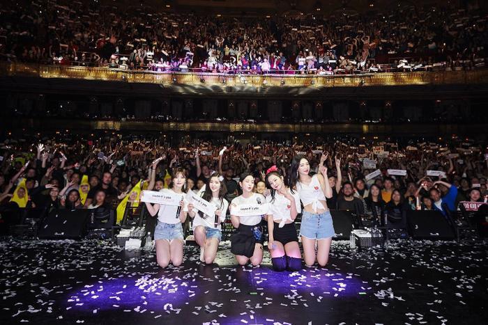 Điểm tên 6 nhóm nhạc có tour diễn kiếm bộn tiền nhất K-Pop ảnh 3