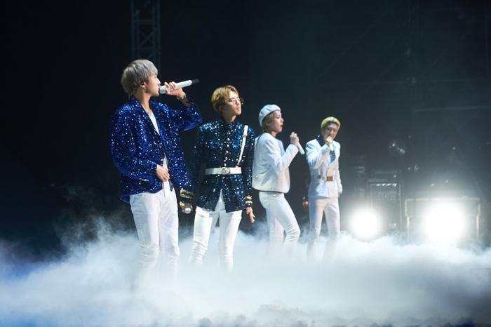 Điểm tên 6 nhóm nhạc có tour diễn kiếm bộn tiền nhất K-Pop ảnh 4