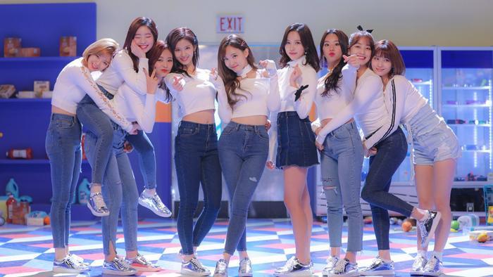 Kpop tuần qua: Big Hit thu mua Source Music, BTS  Twice thay nhau báo tin bội thu vé concert ảnh 6