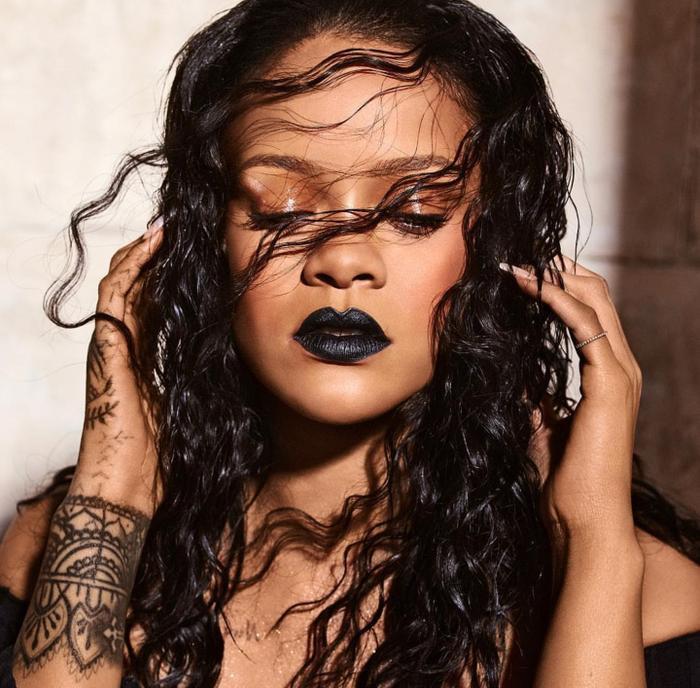 Thông tin Rihanna thuê nguyên hòn đảo để thu âm cho album mới của mình khiến nhiều người không khỏi choáng.