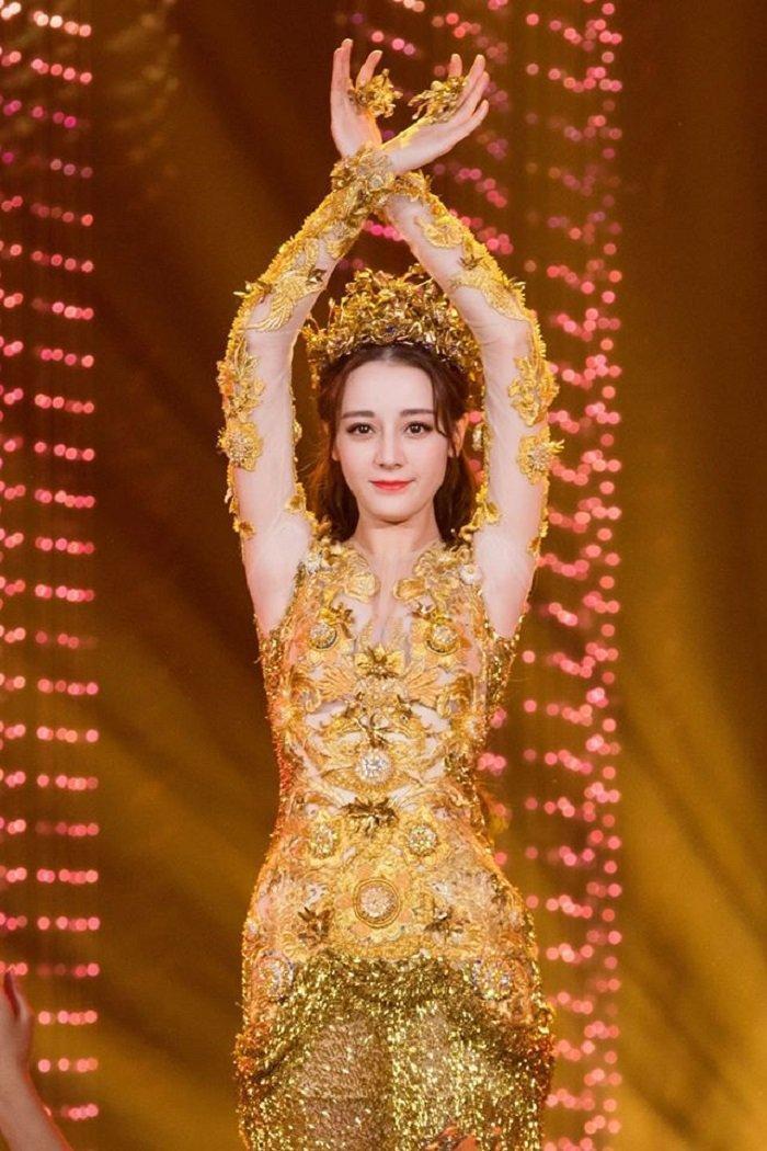 Dương Tử trở thành ứng cử viên sáng giá nhất cho danh hiệu Nữ thần Kim Ưng 2020 ảnh 1