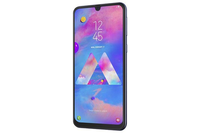 M30 sẽ chính thức được bán ra từ ngày 13/08/2019 với mức giá 5,590,00 VNĐ.