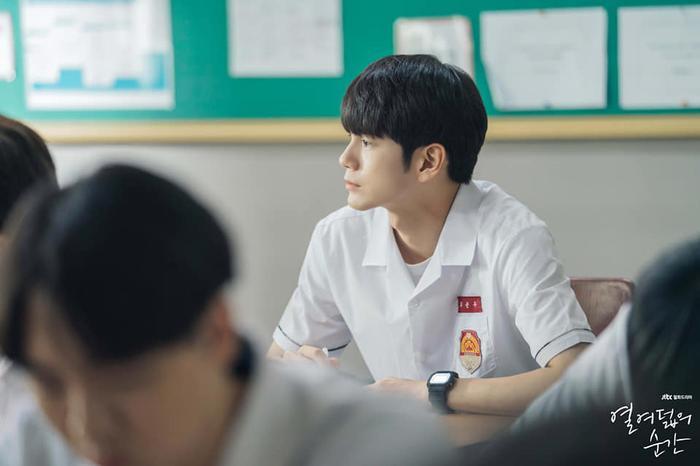 Knet ngợi khen diễn xuất của Ong Seong Woo, Khoảnh khắc tuổi 18 đạt rating cao nhất trong tập 6 ảnh 5