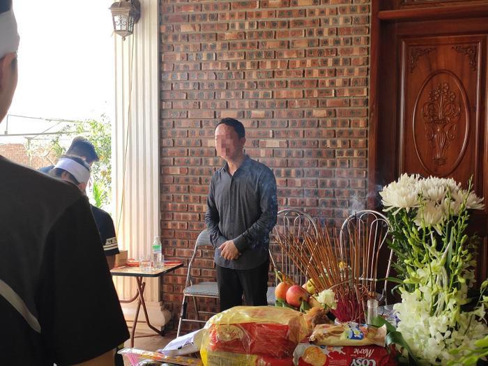 Người thân tổ chức lễ tang cho bé L. tại quê nhà ở huyện Nga Sơn, tỉnh Thanh Hoá.