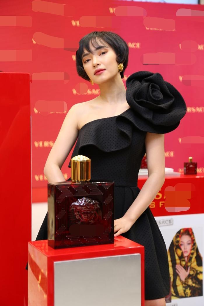 Gương mặt hốc hác của Châu Bùi gây chú ý mạnh khi xuất hiện cùng Tú Hảo, Chloe Nguyễn trong một khung hình ảnh 2