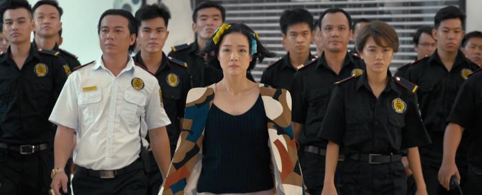 Sau Em gái mưa, đến lượt Người lạ ơi có phim điện ảnh: Thùy Anh câu dẫn Karik động phòng, Trương Thế Vinh đóng phản diện sau drama với shop thời trang ảnh 12