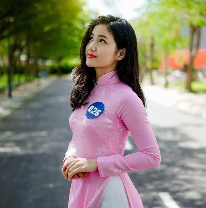 """Cô gái mang tên Đào Thị Minh Thảo sở hữu nhan sắc đúng chuẩn """"thanh xuân vườn trường"""""""