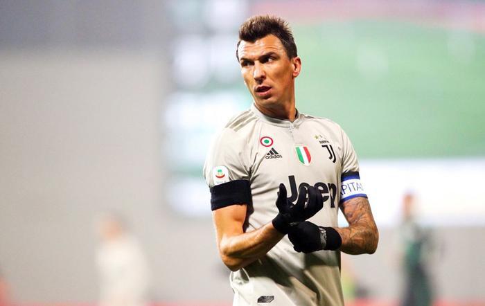 Mandzukic được Juventus bật đèn xanh để chuyển sang M.U.