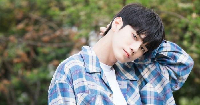 Fan được dịp bất ngờ khi theo dõi diễn xuất tuyệt vời của Ong Seong Wu trong At Eighteen ảnh 1