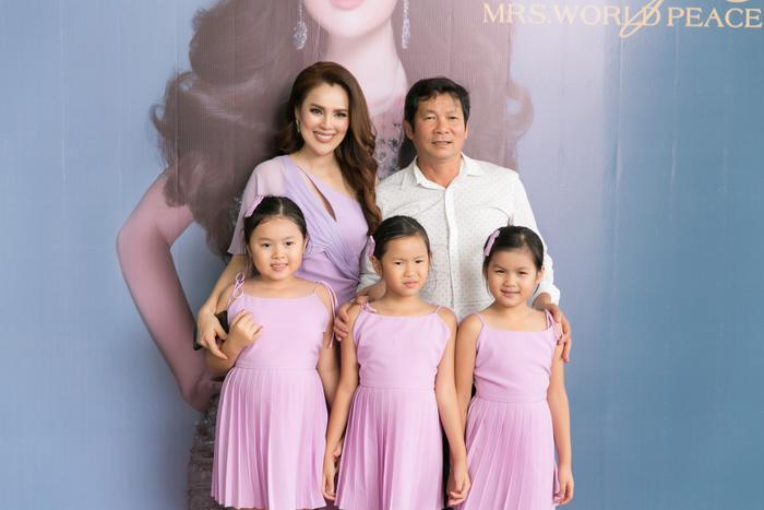 Gia đình nhỏ của Hoa hậu Quý bà Phương Lê.