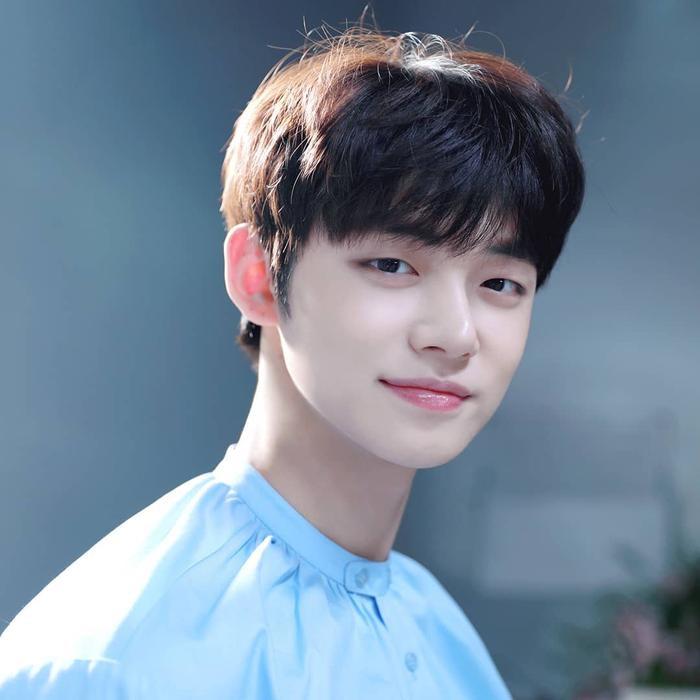 Yeonjun vẫn đang trong quá trình hồi phục chấn thương lưng.