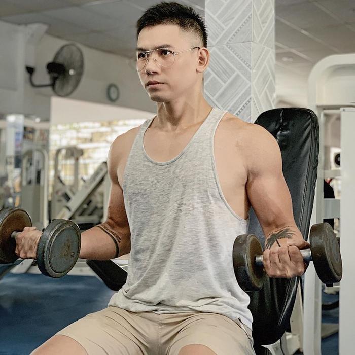 Chăm chỉ rèn luyện cơ thể, Đại Nhân khiến khán giả thích thú với hình thể cuồn cuộn, cơ bắp cực chuẩn.