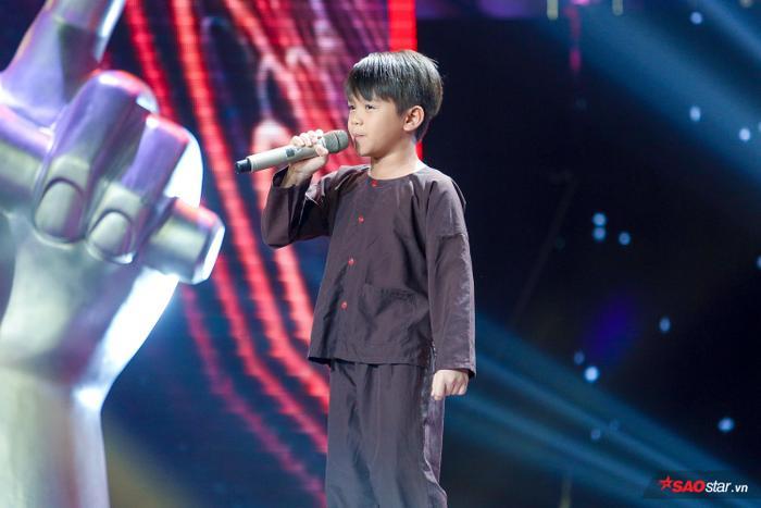 Thành Nhân  Cậu bé ốc tiêu khiến Lưu Thiên Hương bất chấp tranh giành để biến thành chiến binh toàn năng ảnh 0