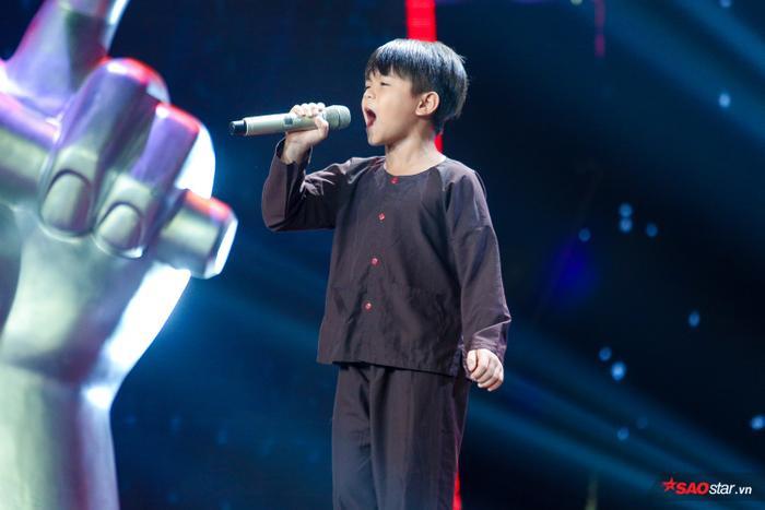 Thành Nhân  Cậu bé ốc tiêu khiến Lưu Thiên Hương bất chấp tranh giành để biến thành chiến binh toàn năng ảnh 3