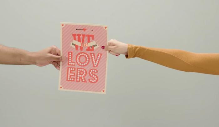 Hình ảnh khiến nhiều người liên tưởng đến album Lover sắp ra mắt của Taylor Swift.
