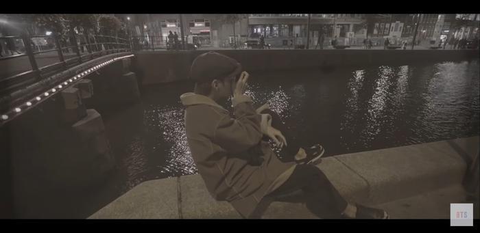 V phát hành MV Winter Bear, sản phẩm đặc biệt nam ca sĩ dành tặng cho người hâm mộ của mình.