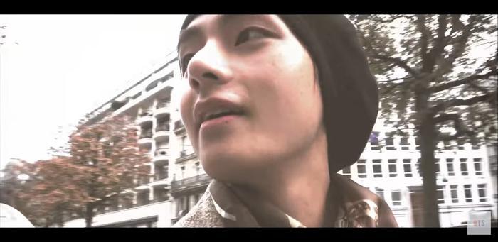 MV được quay một cách đơn giản và mộc mạc.