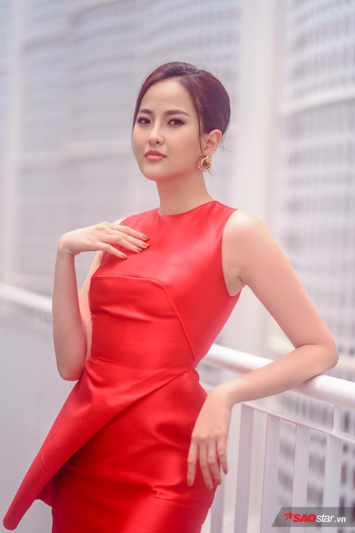 Hoa hậu Khánh Ngân thần thái ngút ngàn chấm casting Siêu mẫu Việt Nam 2019.