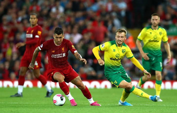 Với lợi thế sân nhà, CLB Liverpool nhập cuộc khá chủ độ. Họ sớm gây sức ép lên phía khung thành CLB Norwich.