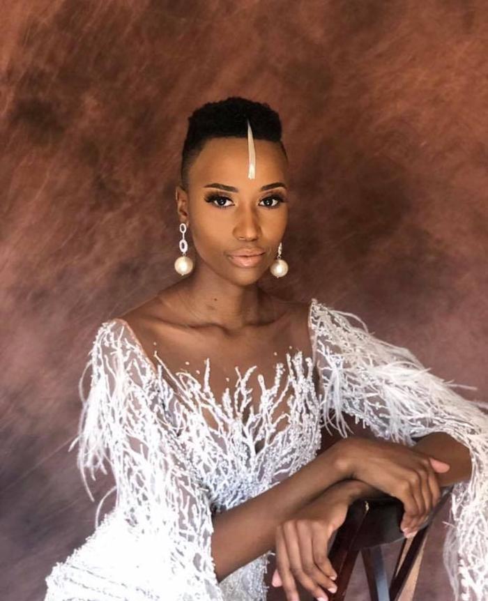 Có một diều trùng hợp ngàyZozibini Tunzi nhận vương miện cũng chính là ngày phụ nữ ở Nam Phi. (9/8).