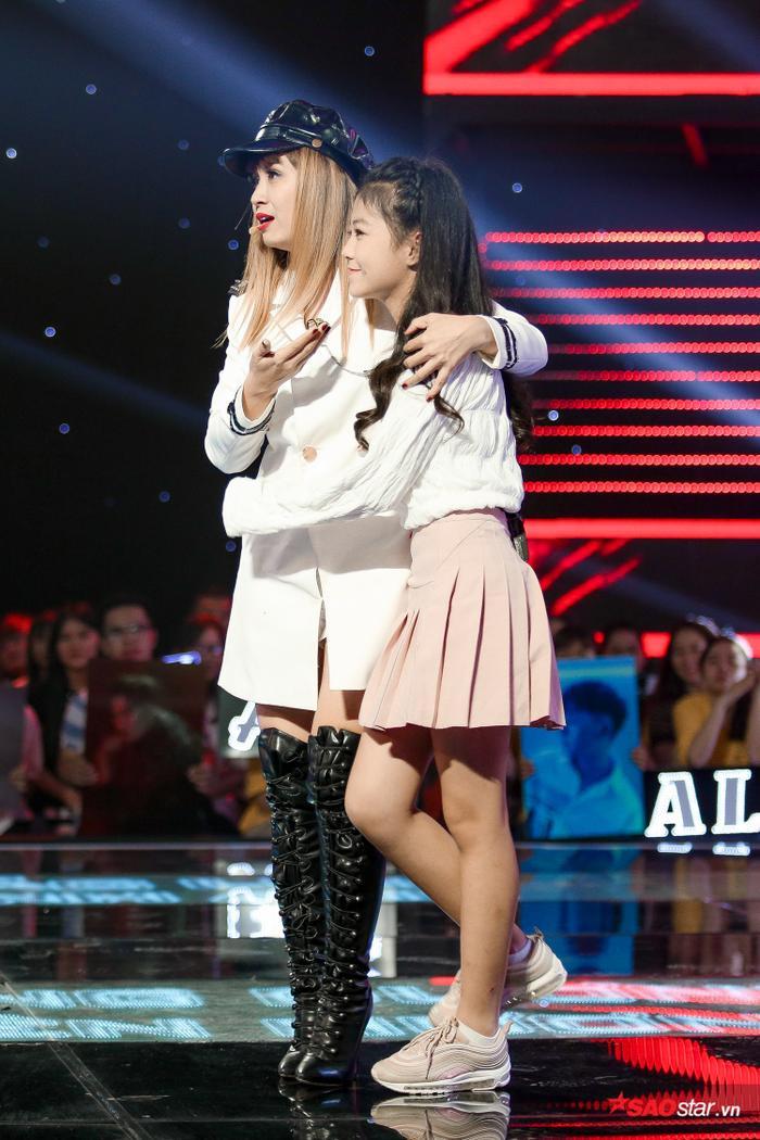 Kim Anh: Cô bé xinh như thiên thần khiến 6 vị HLV The Voice Kids bấm nút chọn ngay phút 89 ảnh 5