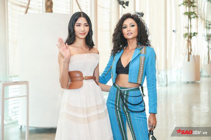 Hoàng Thùy và H'Hen Niê xuất hiện tại buổi giao lưu Brave Tour – Miss Universe Vietnam 2019 tại TP.HCM.