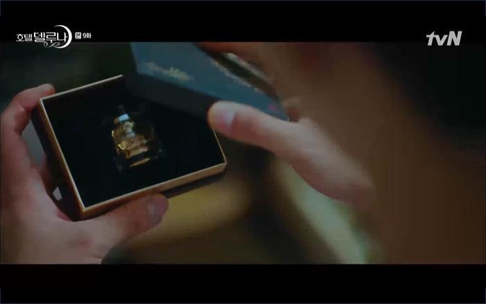 Phim Hotel Del Luna tập 9: IU tan biến ngay trước mắt Yeo Jin Goo, Lee Tae Seo tái sinh thành cảnh sát? ảnh 10